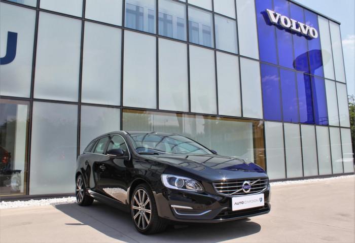 Volvo V60 D4 SUMMUM AUT 1.maj. na operativní leasing