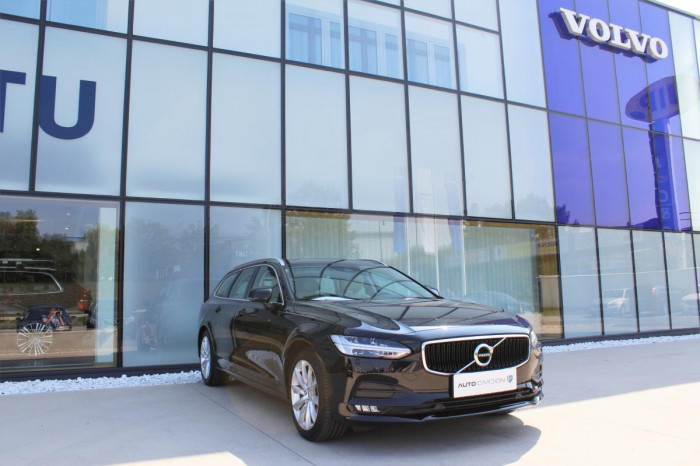 Volvo V90 D3 MOMENTUM 1.maj. na operativní leasing