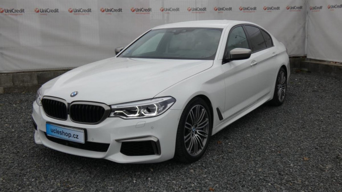 BMW Řada 5 550i xDrive aut. na operativní leasing