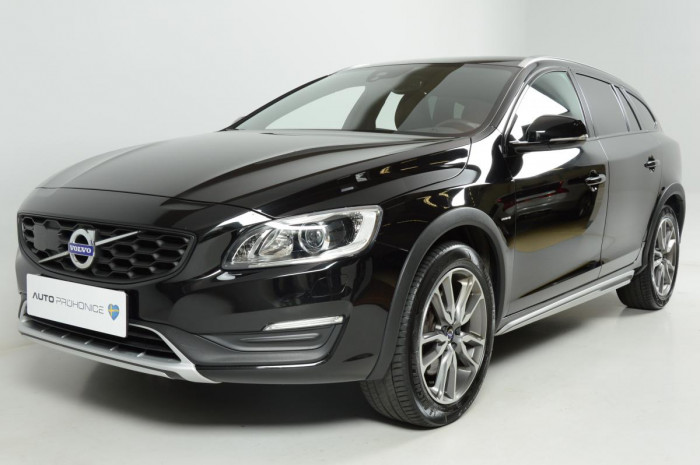 Volvo V60 CROSS COUNTRY D4 AWD REZERVACE na operativní leasing