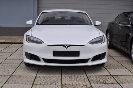 Tesla Model S na operativní leasing