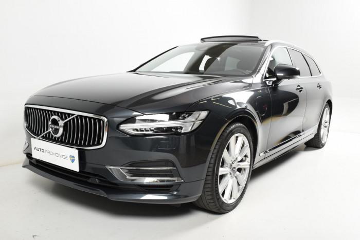 Volvo V90 T8 AWD INSCRIPTION AUT 1.maj. na operativní leasing