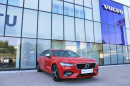 Volvo V90 D4 R-DESIGN AUT 1.maj. na operativní leasing