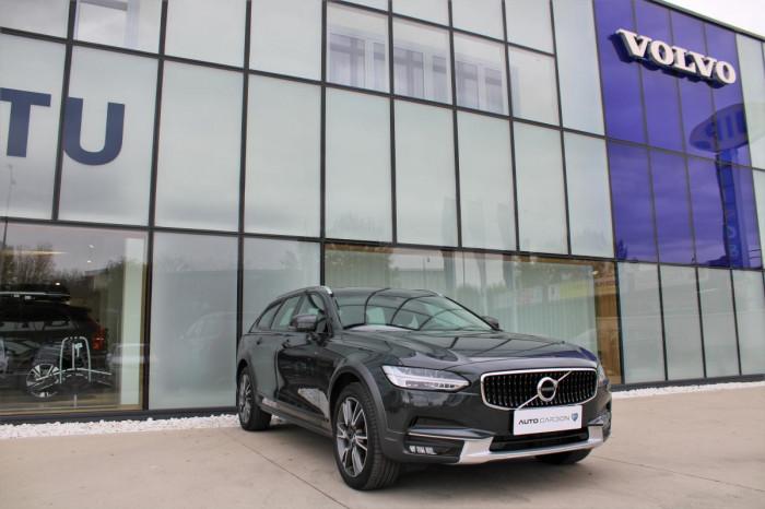 Volvo V90 CC T5 AWD PRO AUT 1.maj. na operativní leasing