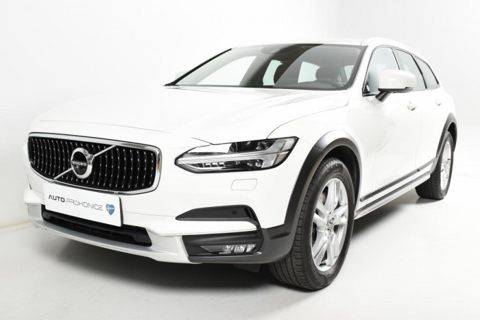 Volvo V90 CROSS COUNTRY T5 AWD MOMENTUM na operativní leasing