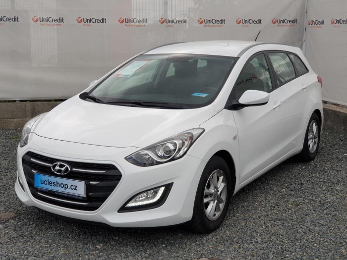 Hyundai i30 1.6i MPI D-CVVT Trikolor na operativní leasing