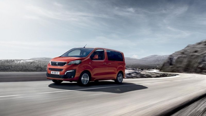 Peugeot Traveller Allure L1 2.0 BlueHDi 130 kW EAT8 na operativní leasing