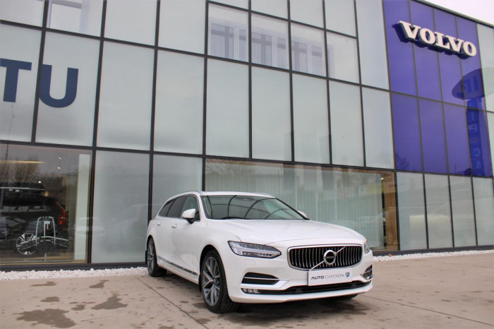 Volvo V90 D4 INSCRIPTION AUT 1.maj. na operativní leasing