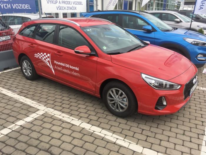 Hyundai i30 kombi 1,6D 81kW Trikolor Komfort na operativní leasing