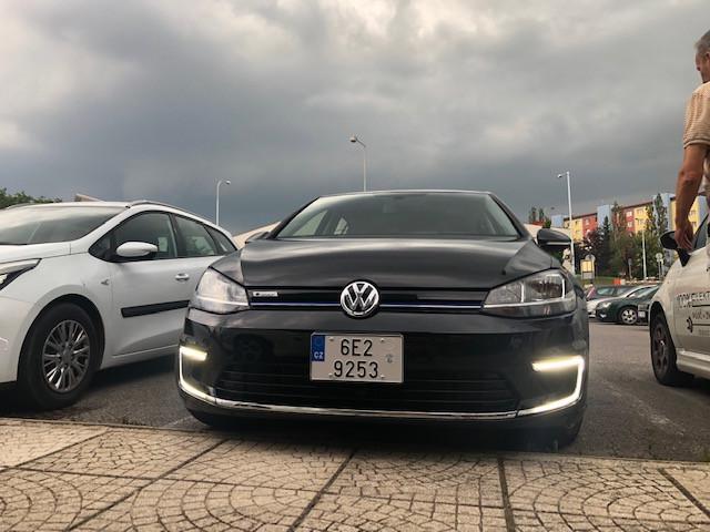 VW GOLF E 100 KW MY 2018 na operativní leasing