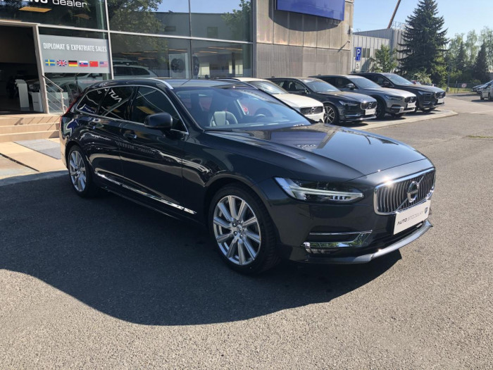 Volvo V90 T4 INSCRIPTION AUT 1.maj. na operativní leasing