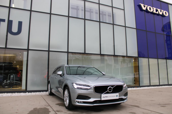 Volvo V90 D4 AWD MOMENTUM POLESTAR na operativní leasing