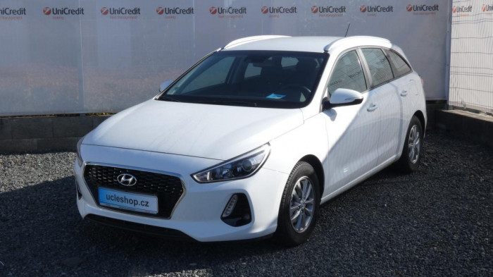 Hyundai i30 1.0 T-GDI Trikolor na operativní leasing