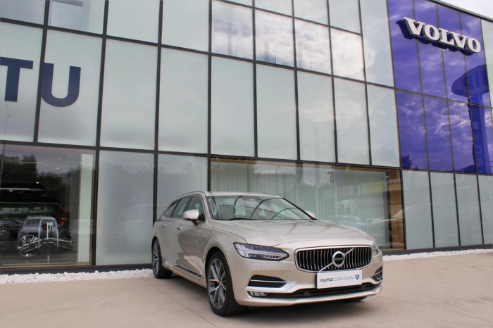 Volvo V90 T6 AWD INSCRIPTION AUT 1.maj. na operativní leasing