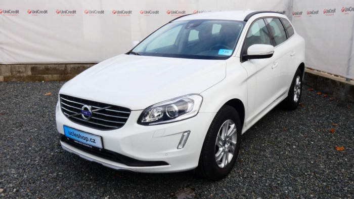 Volvo XC60 D4 2,4L AWD Momentum na operativní leasing