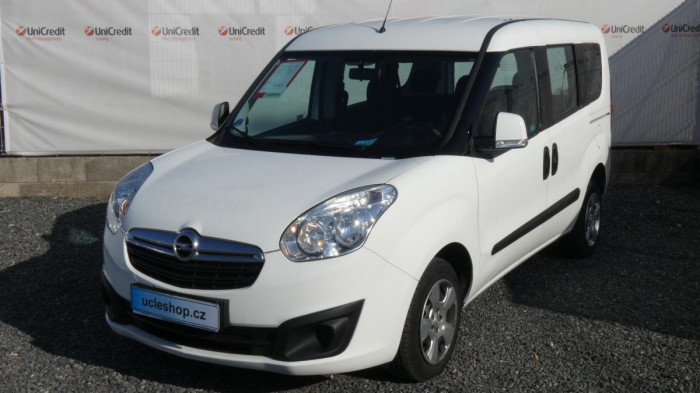 Opel Combo 1.6 CDTI Cosmo Tour na operativní leasing