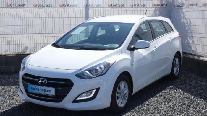 Hyundai i30 1,6 Trikolor na operativní leasing